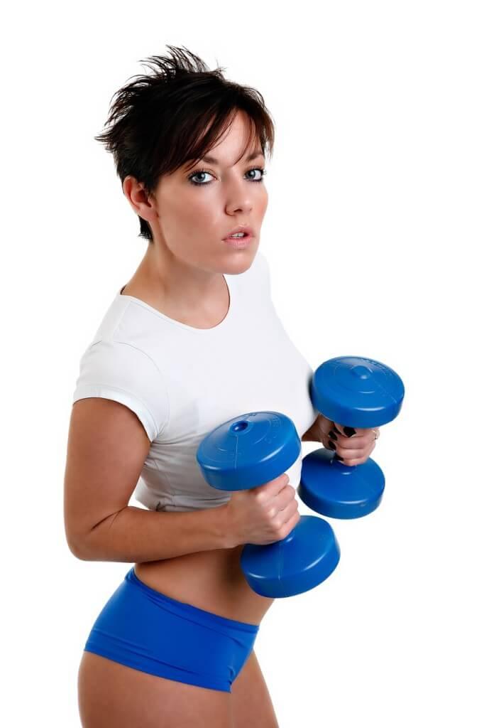 Hantle mogą być idealnym uzupełnieniem naszej domowej siłowni. Nie są drogie i zazwyczaj się nie psują, więc jest to jednorazowy zakup