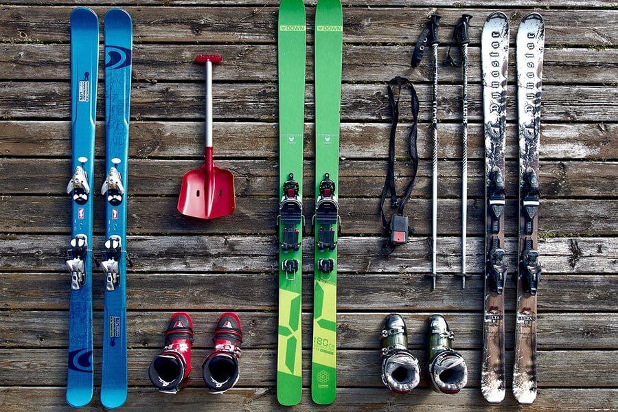 Suszarka do butów narciarskich idealnie sprawdza się jeżeli jeździmy dużo i potrzebujemy aby nasze buty były zawsze świeże i gotowe.